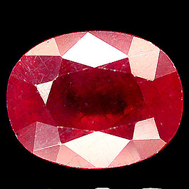 Ovaler Rubin Rot 14.9x11.7x7.7mm 12.48ct