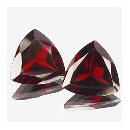 Triangle Granat Rot 9x9mm 2.20ct
