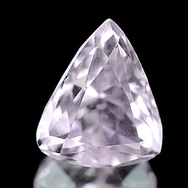 Triangle Kunzit Pink 11.8x9.8x7.8mm 5.03ct