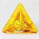 Bernstein Dreieck 29x29x11.5mm 13.8ct Reflektionsschliff