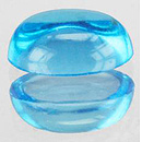 Ovaler Topas Swissblue Cabochon 6x4mm 0.68ct